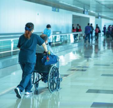 escolta medico en vuelos comerciales
